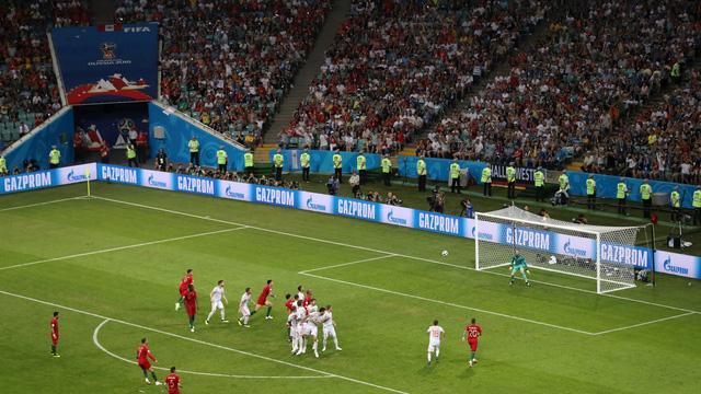 Những khoảnh khắc không thể nào quên của FIFA World Cup™ 2018: Từ siêu phẩm của Ronaldo đến cúp vàng của ĐT Pháp - Ảnh 2.