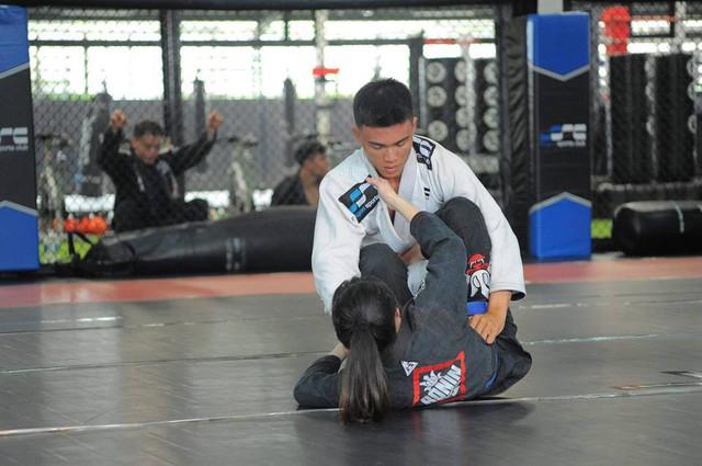 Chàng trai làm bảo vệ nuôi giấc mơ vô địch thế giới bộ môn võ thuật Brazilian Jiu-Jitsu - Ảnh 1.
