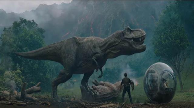 Jurassic World: Fallen Kingdom tiếp tục dẫn đầu phòng vé - Ảnh 1.