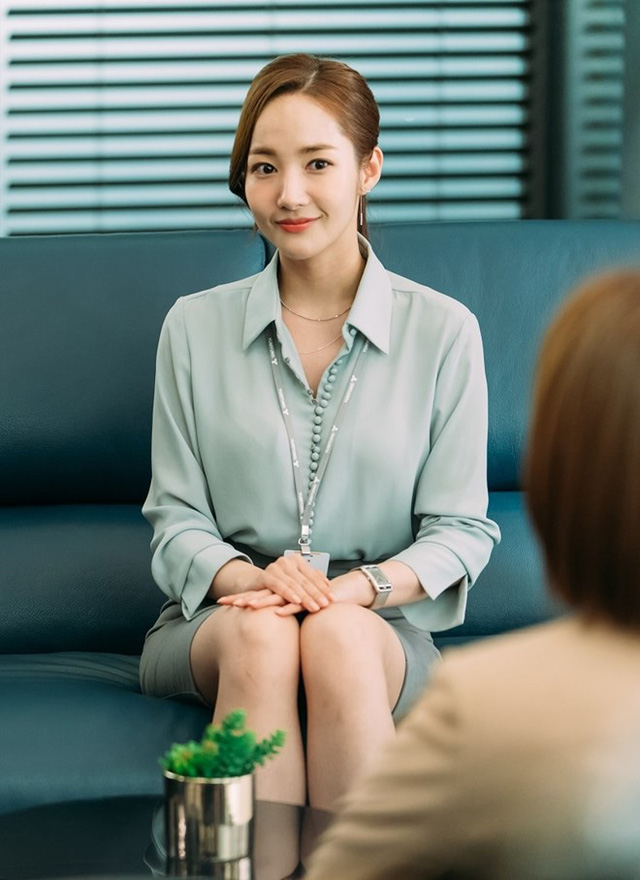 Nhờ Thư ký Kim sao thế?, Park Min-young được ví như biểu tượng thời trang mới - Ảnh 2.