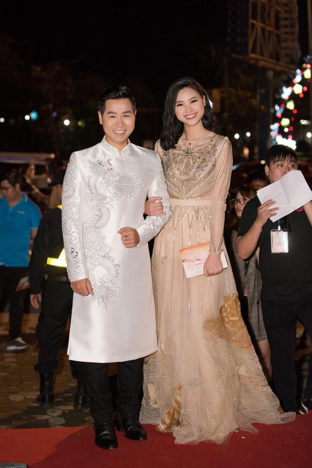 Dàn Hoa hậu, Á hậu các năm đọ sắc trên thảm đỏ CKPB Hoa hậu Việt Nam 2018 - Ảnh 10.