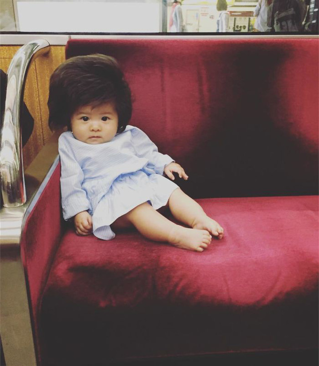 Bé gái 6 tháng tuổi gây sốt vì mái tóc dựng ngược có một không hai - Ảnh 13.