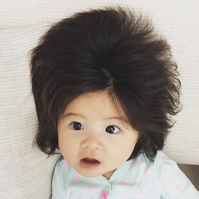 Bé gái 6 tháng tuổi gây sốt vì mái tóc dựng ngược có một không hai - Ảnh 16.