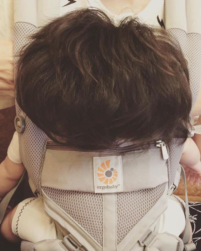 Bé gái 6 tháng tuổi gây sốt vì mái tóc dựng ngược có một không hai - Ảnh 6.