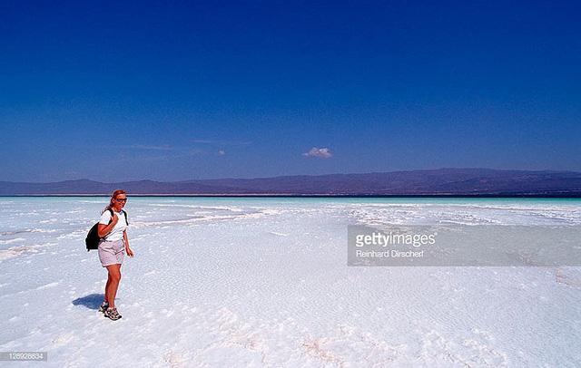 Hồ nước khiến du khách như lạc tới thiên đường - Ảnh 13.
