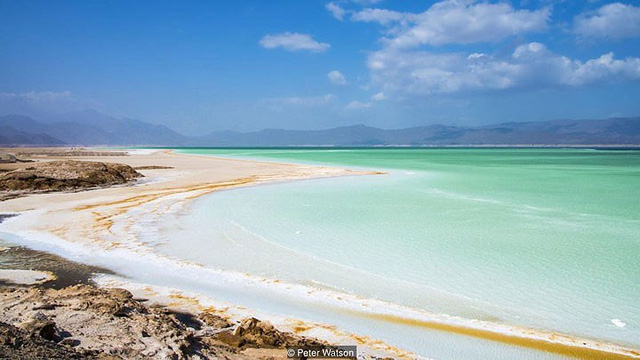 Hồ nước khiến du khách như lạc tới thiên đường - Ảnh 15.