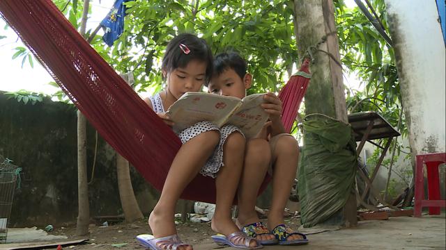 Sẻ chia yêu thương đến với các em học sinh nghèo vượt khó tại tỉnh Bến Tre - Ảnh 4.