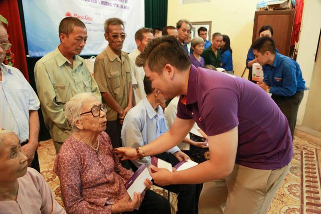 Quỹ Tấm lòng Việt và hoạt động ý nghĩa nhân ngày Thương binh liệt sĩ - Ảnh 1.
