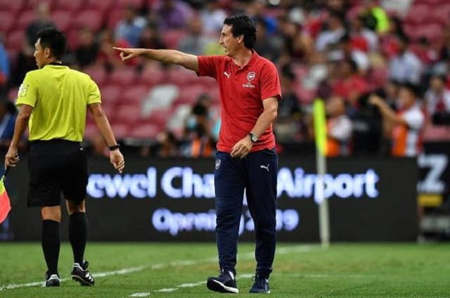 HLV Unai Emery chính thức lên tiếng về việc xích mích với Mesut Ozil - Ảnh 1.