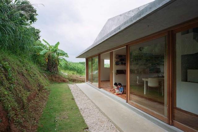 Ngôi nhà ở Nhật có thiết kế mở, gần gũi với thiên nhiên - Ảnh 4.