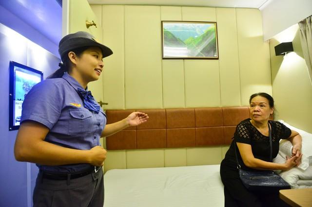 Đưa vào hoạt động toa xe khoang 2 giường tuyến Hà Nội – TP.HCM - Ảnh 3.