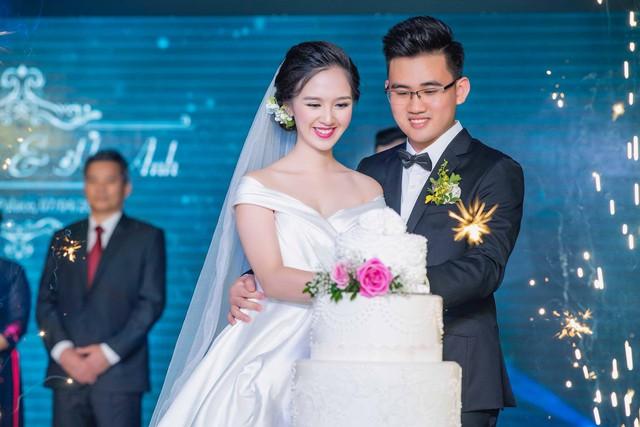 Diễn viên nhí Bánh đúc có xương bất ngờ kết hôn ở tuổi 21 - Ảnh 3.