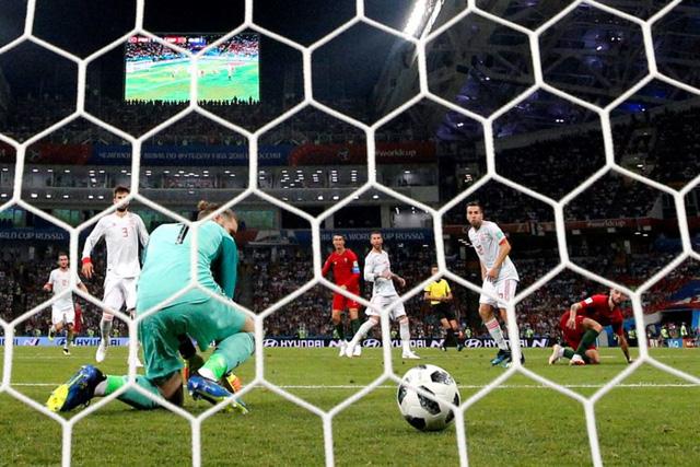 """Thủ thành Muslera trở thành """"Karius thứ 9"""" tại FIFA World Cup™ 2018 - Ảnh 2."""
