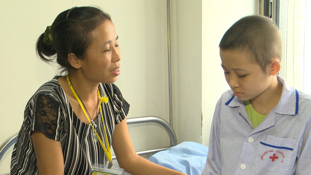 Xót xa cô bé nghèo cùng hơn 70% tế bào ung thư trong người - Ảnh 4.