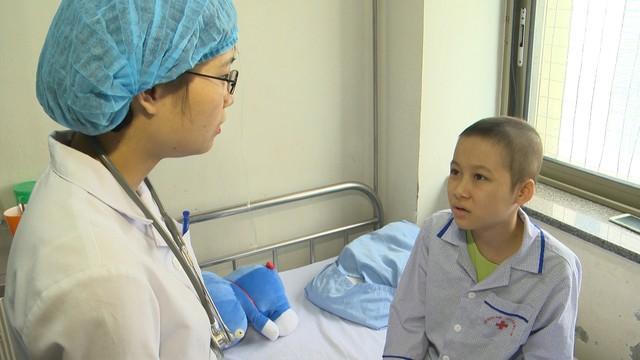 Xót xa cô bé nghèo cùng hơn 70% tế bào ung thư trong người - Ảnh 1.