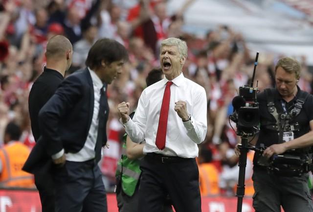 ẢNH: Nhìn lại 10 trận đấu giữa Arsenal và Chelsea - Ảnh 8.