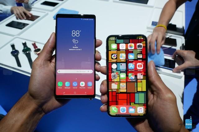 Đọ đáng Galaxy Note 9 và iPhone X: Ai chất hơn ai? - Ảnh 1.