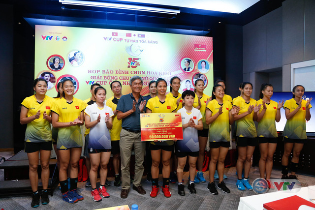 VTV Cup Ống nhựa Hoa Sen 2018: ĐT Việt Nam nhận thưởng 200 triệu đồng trước trận chung kết - Ảnh 7.