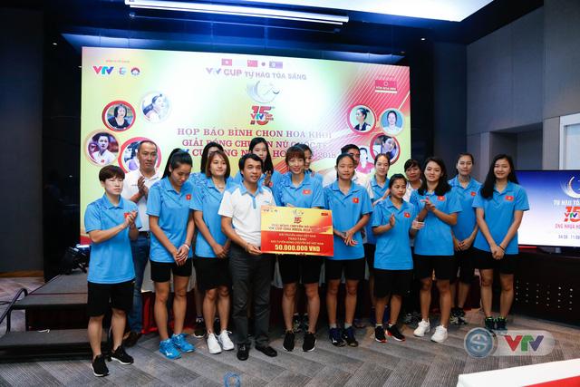 VTV Cup Ống nhựa Hoa Sen 2018: ĐT Việt Nam nhận thưởng 200 triệu đồng trước trận chung kết - Ảnh 3.