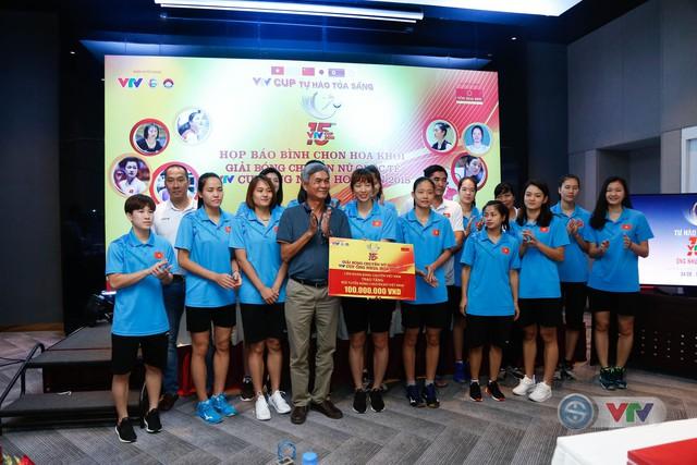 VTV Cup Ống nhựa Hoa Sen 2018: ĐT Việt Nam nhận thưởng 200 triệu đồng trước trận chung kết - Ảnh 4.