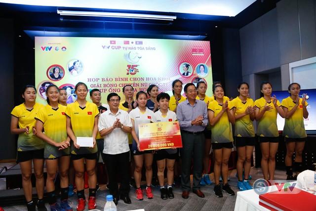 VTV Cup Ống nhựa Hoa Sen 2018: ĐT Việt Nam nhận thưởng 200 triệu đồng trước trận chung kết - Ảnh 5.