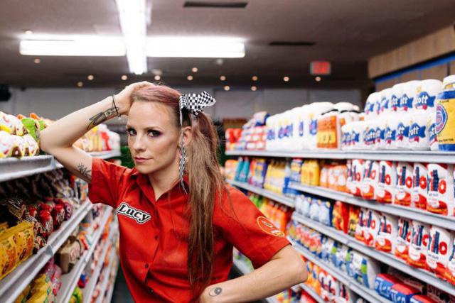 Độc đáo siêu thị với đồ vật toàn làm bằng vải nỉ - Ảnh 1.