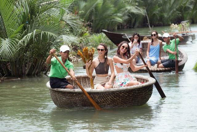Top 4 Hoa hậu Đại sứ Du lịch thế giới 2018 quảng bá du lịch Hội An - Ảnh 1.
