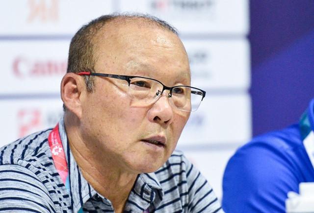 ASIAD 2018: Olympic Việt Nam thắng đậm, HLV Park Hang Seo vẫn chưa hài lòng - Ảnh 1.