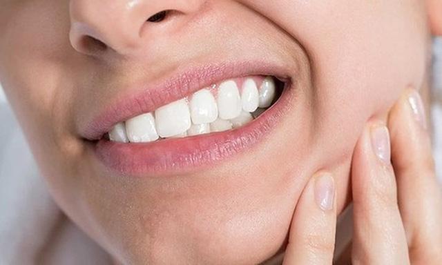 Đau răng khôn: Những điều quan trọng bạn cần biết - Ảnh 3.