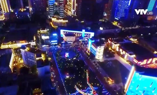 Lễ hội ánh sáng đầy màu sắc ở thành phố Tây An, Trung Quốc - Ảnh 2.