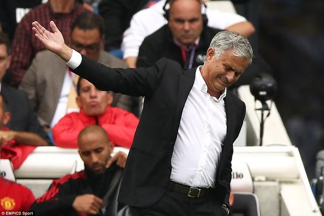VIDEO Brighton 3-2 Man Utd: Quỷ đỏ thua trận đầu tiên mùa giải - Ảnh 4.
