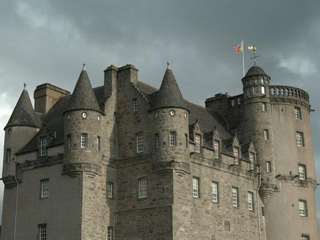 12 lâu đài ma ám đáng sợ trên thế giới - Ảnh 15.