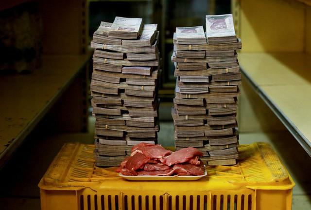 Siêu lạm phát tại Venezuela: 1kg thịt giá hơn 9 triệu Bolivar - Ảnh 2.