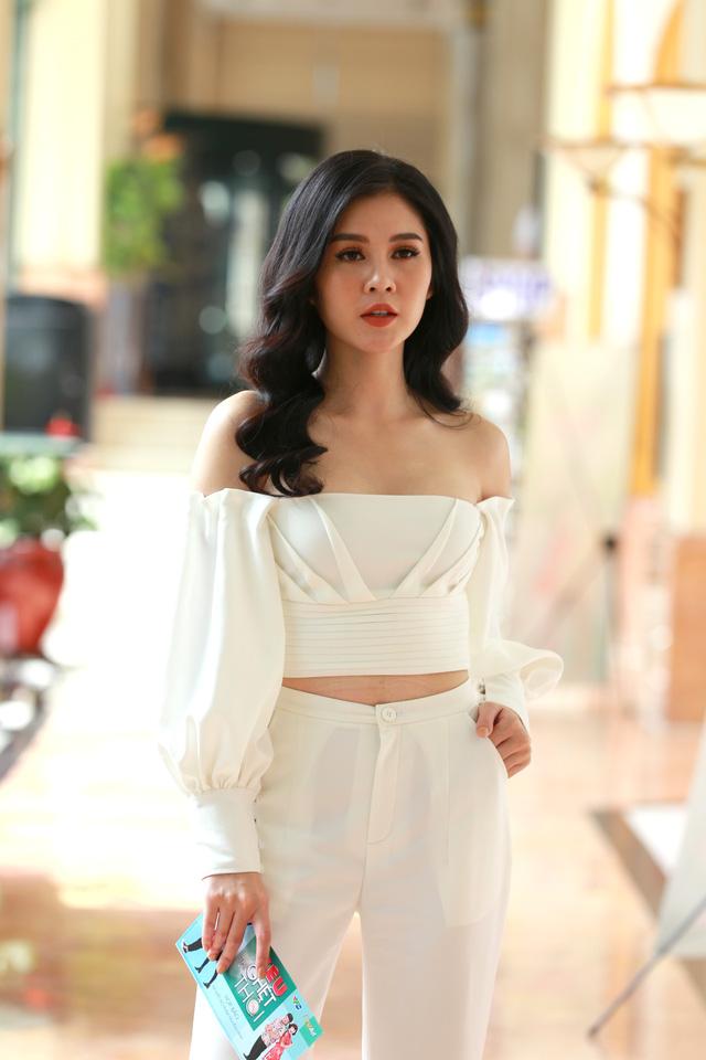 Phanh Lee sánh đôi cùng Thu Hoài giống nhau như hai chị em sinh ...