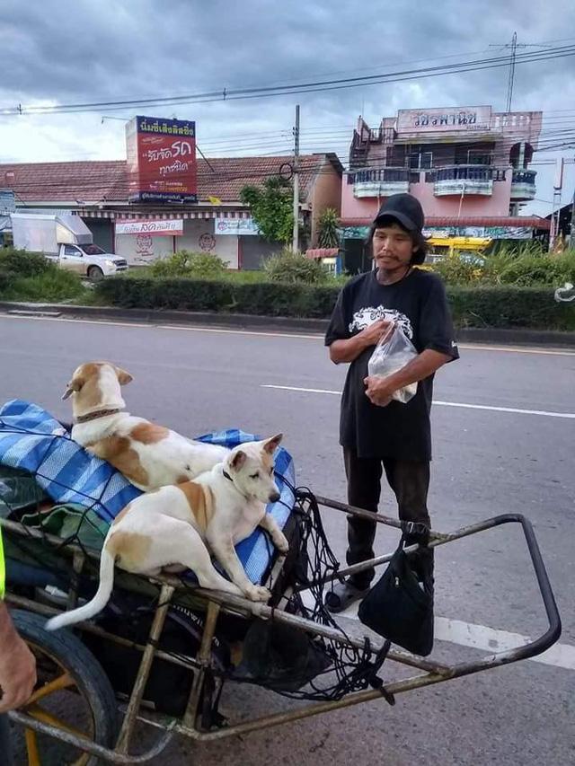 Thái Lan: Đi bộ 1.500km đưa tro cốt bạn gái lên núi - Ảnh 5.