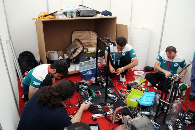 ABU Robocon 2018: Ngày đầu của các đội tuyển tại khu tập kết robot - Ảnh 2.