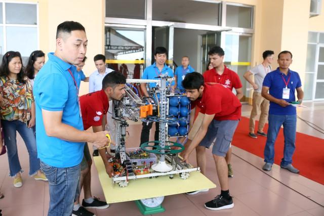 ABU Robocon 2018: Ngày đầu của các đội tuyển tại khu tập kết robot - Ảnh 9.