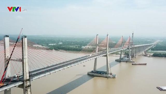 Cầu Bạch Đằng nối Quảng Ninh với Hải Phòng trước ngày thông tuyến - Ảnh 1.