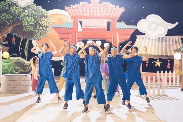Dàn thiên thần nhí triệu view của Giọng hát Việt nhí quy tụ trong MV đón Trung Thu - Ảnh 1.