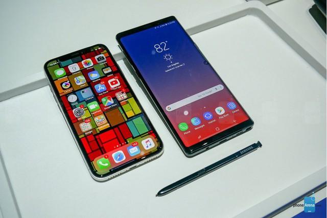 Giá cả ngàn USD, chọn iPhone X hay Galaxy Note 9, Xperia XZ2 Premium? - Ảnh 1.