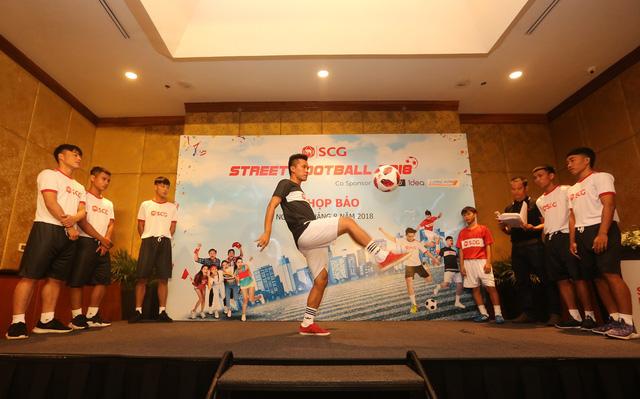 Lễ hội bóng đá Street Football 2018 sẽ diễn ra ở phố đi bộ hồ Hoàn Kiếm - Ảnh 8.