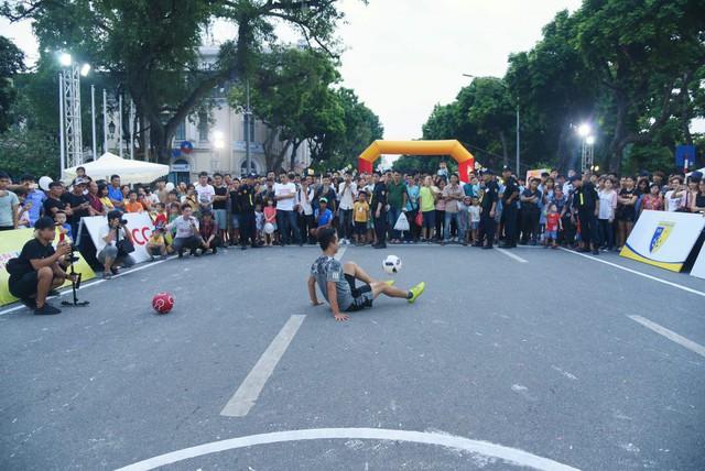 Lễ hội bóng đá Street Football 2018 sẽ diễn ra ở phố đi bộ hồ Hoàn Kiếm - Ảnh 1.