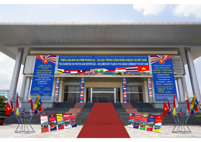 Triển lãm Ảnh và Phim phóng sự - Tài liệu trong Cộng đồng ASEAN tại Việt Nam - Ảnh 1.