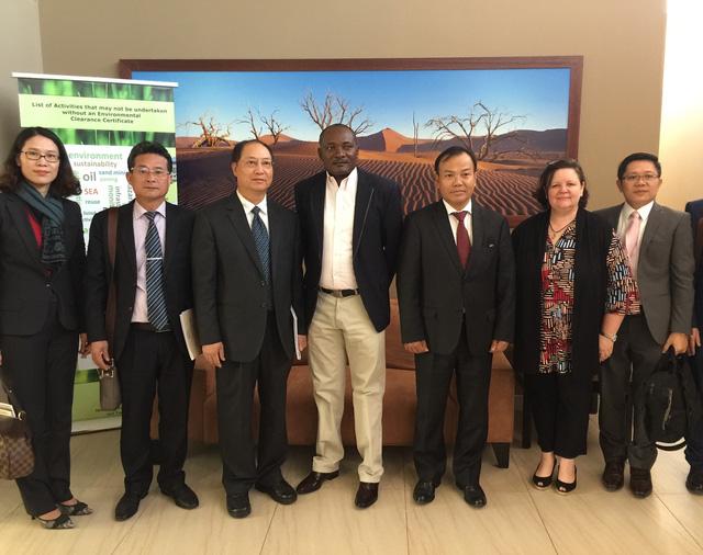 Công tác người Việt Nam ở nước ngoài với tinh thần ngoại giao phục vụ phát triển - Ảnh 1.