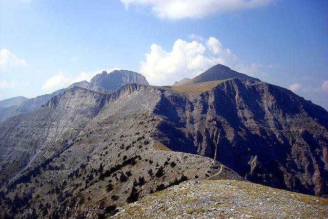 Những điều bạn chưa biết về đỉnh núi Olympus thần thoại - Ảnh 3.