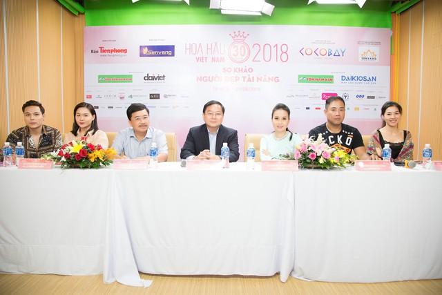 Vợ chồng Cẩm Ly làm giám khảo vòng sơ khảo tài năng Hoa hậu Việt Nam 2018 - Ảnh 1.