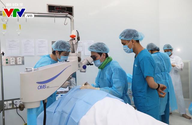 Phẫu thuật mắt miễn phí cho người cao tuổi vùng sâu vùng xa - Ảnh 6.