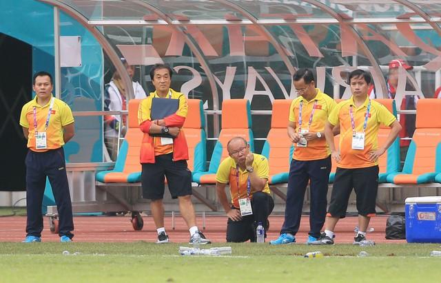ẢNH: Olympic Việt Nam giành vị trí thứ 4 tại ASIAD khi để thua Olympic UAE trong loạt đá luân lưu - Ảnh 13.