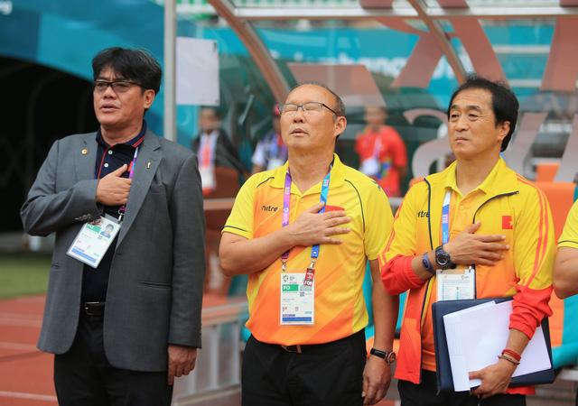 ẢNH: Olympic Việt Nam giành vị trí thứ 4 tại ASIAD khi để thua Olympic UAE trong loạt đá luân lưu - Ảnh 4.
