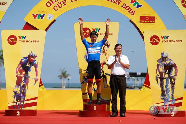 ẢNH: Những khoảnh khắc ấn tượng chặng 9 Giải xe đạp quốc tế VTV Cúp Tôn Hoa Sen 2018 - Ảnh 17.